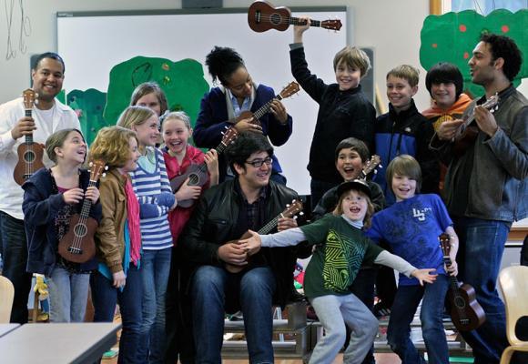 Harlem String Quartet with Seattle school children