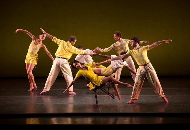 Mark Morris Dance Group: Dancing Honeymoon (photo ©Christopher Duggan)